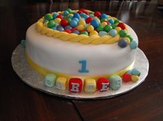 Ball pit cake for baby. Baby Boy First Birthday, First Birthday Cakes, 2nd Birthday, Birthday Ideas, Happy Birthday, Bouncy Ball Birthday, Ball Birthday Parties, Ball Pit Cake, Party Party