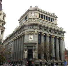 El Edificio de las Cariátides sede del Banco Español del Río de la Plata, actual sede del Instituto Cervantes fue construido entre 1910 y 1918 por Antonio Palacios instituto cervantes-1.jpg