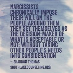 Emotional Abusers will make ppl look guilty by imposing themselves as the victim and blame everything on you without realizing how injured you felt.they got no consideration on others and how they feel.they expect to have the spotlight on them always wh Narcissistic People, Narcissistic Mother, Narcissistic Behavior, Narcissistic Sociopath, Narcissistic Personality Disorder, Narcissist Father, Narcissist Quotes, Emotional Vampire, Emotional Abuse