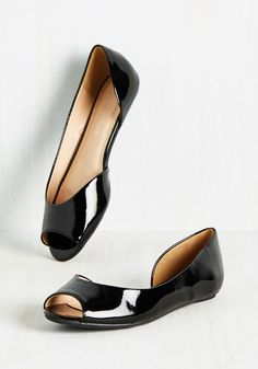 Tres Sleek Flat. Todays topic of conversation - how incredibly stylish these dOrsay flats are! #black #modcloth
