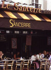 My absolute favorite! Sancerre serves the well known Sauvignon Blanc wine of the epynomous village. Casual and cozy, order the wine, and some warm goat cheese; a pairing made in heaven. Paris Tips, Paris Food, Parisian Cafe, Honeymoon Places, French Cafe, London Bridge, Cafe Bar, Cafe Bistro, France