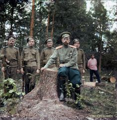 One of the last photographs taken of Nicholas II, showing him at Tsarskoye Selo after his abdication in March 1917 Tsar Nicolas, Tsar Nicholas Ii, La Familia Romanov, Cultura General, Academy Of Sciences, Imperial Russia, Great Photographers, World War One, Black And Grey Tattoos
