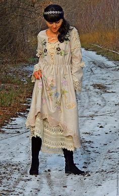 Купить БОХО платье из шерсти с вышивкой и шнуровкой (№218) - бежевый, платье макси, платье зимнее