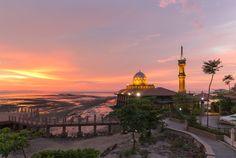 Masjid Al Hussain at Kuala Perlis, Malaysia by ANUJAK JAIMOOK on 500px