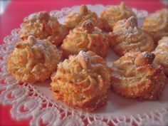 Here you can find a collection of Italian food to date to eat Italian Biscuits, Italian Cookies, Italian Desserts, Italian Dishes, Sicilian Recipes, Pastry Recipes, Cooking Recipes, Amaretti Cookies, Biscotti Cookies