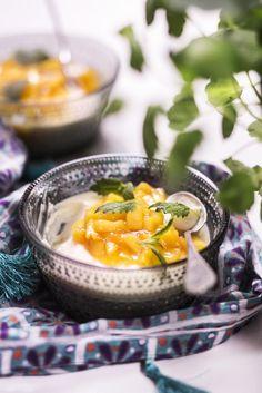 Pannacotta Granola, Thai Red Curry, Ramen, Panna Cotta, Waffles, Mango, Food And Drink, Baking, Sweet
