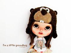 Groundhog hat for Blythe por Poopoopido en Etsy
