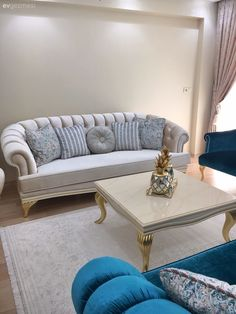 Every detail of this glamorous Izmir house gives perfectionist hosts. – … – Decoration Drawing Every detail of this glamorous Izmir house gives perfectionist hosts. – … Every detail of this glamorous Izmir house gives perfectionist hosts. Drawing Room Furniture, Living Spaces, Living Room, White Carpet, Art Wall Kids, Sectional Sofa, Corner Sectional, Bedroom Wall, Bedroom Ideas