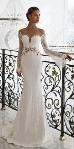 Nurit Hen wedding dress with long sleeves / http://www.deerpearlflowers.com/fall-winter-long-sleeve-wedding-dresses/
