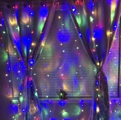 Our Window Curtain Lights are a bestseller at Tapestry Girls. These curtain lights go perfectly in any room and give just the right amount of illumination, ambience and glow to your space! Marble Tapestry, Yellow Tapestry, Tapestry Nature, Dorm Tapestry, Lion Tapestry, Colorful Tapestry, Bohemian Tapestry, Mandala Tapestry, Dorm Lighting