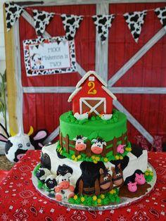 Amanda M's Birthday / Farm / Barnyard - Photo Gallery at Catch My Party Farm Birthday Cakes, Animal Birthday Cakes, 2nd Birthday Party Themes, Farm Animal Birthday, First Birthday Parties, First Birthdays, 3rd Birthday, Birthday Ideas, Farm Animal Cakes