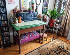 Pad Peek: Dina's Nomadic-Romantic Apartment
