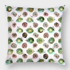 Интерьерная текстильная подушка Hipoco с акварельными яблоками Ловите на Hipoco.com по слову яблоко. Автор @elena_efremovaaa. #hipoco #hipocopillow#hipocofood hipoco.com