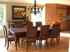 Here's a picture I found of this nice dining room.