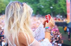 OSHEAGA DAY 1 = SUCCES ☀️ Haaaa merci @cocacolaquebec ❤️ Meilleure journée EVER! #Savourelinstant Emma Verde, Insta Goals, Instagram Posts, Youtube, Hair, Fashion, Photos, Thanks, Color