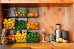 Хранение фруктов рядом с соковыжималкой