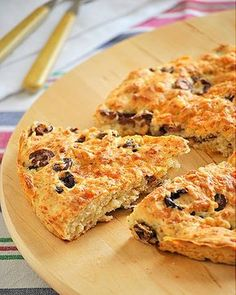 More like a scone. Made with self-rising flour. Greek Recipes, Veggie Recipes, Baking Recipes, Vegetarian Recipes, Olive Bread, Greek Cooking, Greek Dishes, Savoury Cake, Street Food