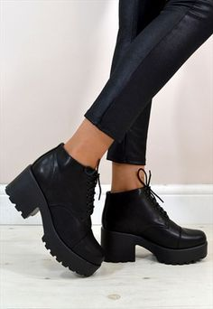 KYLE Retro Style Chunky Heel Lace Up Ankle Boots in BLACK --- DO WANT