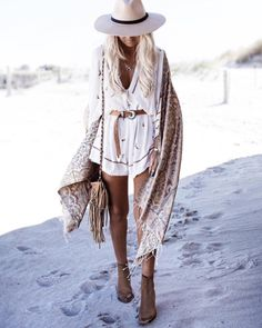 hippie outfits 509891989052331424 - Quel style hippie chic femme jupe longue style hippie combishort adorable Source by archzinefr Style Hippie Chic, Look Boho Chic, Hippie Chic Fashion, Hippy Chic, Ibiza Fashion, Look Fashion, Bohemian Style, Bohemian Lifestyle, Gipsy Fashion