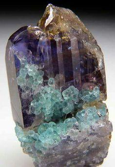 Cristal com Apatite Verde e Tanzanite