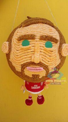 Sólo a qui hacemos las únicas Piñatas personalizadas por que no apalear a tu jefe o a tu ex. Pedido especial para Sopitas.