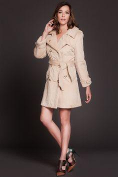 Trench de Conejo Rasado Beige. Beige Rabbit Trench. #trench #moda #fashion #peleteria #fur #chic #glamour #auroramaroto #basics #model #boutique