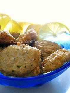 Le polpette di neonata sono un piatto tipico della cucina siciliana, si tratta del novellame del pesce azzurro impiegato in svariate ricette gustosissime