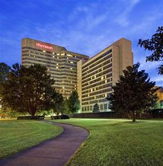 Sheraton Memphis Downtown Hotel Picture Exterior Check Out Tripadvisor Members Candid Photos And Videos Of