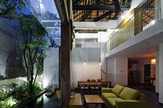 Ngất ngây với ngôi nhà rộng 205m² ở quận 1 - TP. Hồ Chí Minh   aFamily