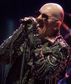 "Happy Birthday ♪ Oggi il grandissimo Robert John Arthur ""Rob"" Halford (( Judas Priest, Halford, Fight, 2wo )), compie 64 anni. Tantissimi Auguri Mito...\m/ \m/"