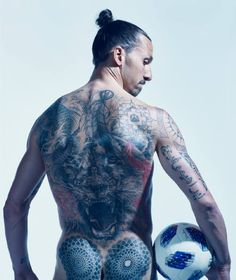 This year 16 athletes join the revered ranks of Body Issue stars, and there are, as always, too many awe-inspiring moments to count. Slow Boat To China, Tatted Men, Body Issues, Best Football Players, Celebrity Photography, Invisible Man, Colin Kaepernick, Inked Men, Soccer