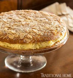 Tarte Tropezienne - Inspired by her second home in Saint-Tropez, Penny Drue Baird hosts a French Riviera-style dinner in Manhattan</p> Sweet Recipes, Cake Recipes, Dessert Recipes, Saint Tropez, Kouign Amman, Just Desserts, Delicious Desserts, Sweets Cake, Let Them Eat Cake