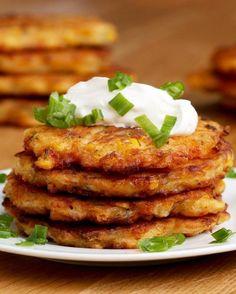 Preview: Estas panquequinhas de milho com cheddar são um ótimo lanchinho