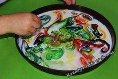 5 kolorowych eksperymentów dla dzieci | Kreatywnie w domu