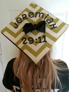 """Diy graduation cap """"For I know the plans I have for you, declares the Lord, plans for welfare and not for evil, to give you a future and a hope"""" Graduation 2016, Nursing Graduation, Graduation Celebration, Graduation Pictures, Graduation Caps, Graduation Ideas, Senior Pictures, Texas Crafts, Graduation Cap Decoration"""