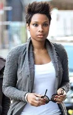 Dressing Your Truth Type 2 Jennifer Hudson (Typed by Carol) Short Hair Dos, Cute Hairstyles For Short Hair, Celebrity Hairstyles, Trendy Hairstyles, Pixie Styles, Short Styles, Long Layered Cuts, Short Cuts, Bald Girl