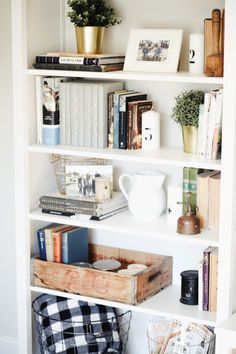 Decorating Shelves In Living Room. 20 Fresh Decorating Shelves In Living Room. the Dos and Don Ts Of Decorating Built In Shelves Styling Bookshelves, Decorating Bookshelves, Bookshelf Design, Bookshelf Ideas, Bookshelf Inspiration, How To Decorate Bookshelves, Bookcases, Book Shelves, Baskets On Shelves