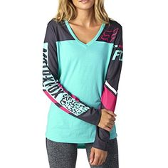Fox Chargin V-Neck Long Sleeve Ladies Tops Womens Shirts Country Wear, Country Outfits, Country Girls, Fox Racing Clothing, Cool Outfits, Casual Outfits, Summer Outfits, Fox Shirt, Swagg