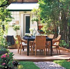 outdoor living - low deck