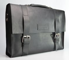Leather Messenger Bag Manager from DLG, check it out - http://www.doodkaleathergoods.com/#!product/prd12/4221900451/leather-messenger-bag-manager #leathergoods, #doodka, #messengerbags, #manager