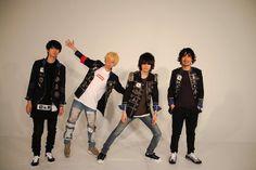 本日発売「ROCKIN' ON JAPAN」3月号の表紙を飾らせていただいておりますあとテレビ東京系列「JAPANCOUNTDOWN」1月31日(日)9:30〜にも出演させて頂きます是非チェックしてみて下さいね