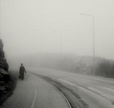 Eerie Urban Misty Night Photography | Abduzeedo | Graphic Design Inspiration and Photoshop Tutorials