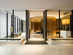 In Hong Kong, we had the opportunity to check out the new Upper House hotel. - Jaime Gillin's Hong Kong's Upper House Hotel design collection on Dwell. Design Entrée, Lobby Design, Design Hotel, Design Ideas, Hotel Lounge, Lobby Lounge, Bar Lounge, Hotel Interiors, Office Interiors