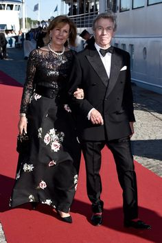 Pin for Later: Prince Carl Philip and Sofia Hellqvist Look Stunning at Their Prewedding Dinner