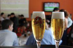 """Com os movimentos que têm ascendido a cultura das cervejas artesanais no Brasil, visitar uma cervejaria virou parada obrigatória aos entusiastas. As cervejarias cada vez mais se preocupam em disseminar conteúdo e fomentar o acesso e a aprendizagem no meio cervejeiro. É o caso da Dama Bier, em Piracicaba (164 km de São Paulo), que...<br /><a class=""""more-link""""…"""