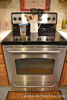 how to clean your glass cooktop with bar keepers friend! House Cleaning Tips, Spring Cleaning, Cleaning Hacks, Cleaning Products, Cleaning Recipes, Cleaning Stainless Steel Appliances, Kitchen Appliances, Kitchen Stove, Kitchen Kit