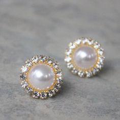 https://www.etsy.com/listing/519291001/gold-bridesmaid-earrings-gold-pearl?ref=shop_home_active_23