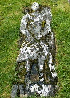 What to do on Isle of Skye: historic Kilmuir graveyard Skye Scotland, Scotland Travel, Scotland Vacation, Beautiful Places To Travel, Cool Places To Visit, Places To Go, England Ireland, England And Scotland, Isle Of Skye Accommodation