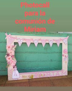 Photocall comunión 120x80cm Disponibles en nuestra tienda,los hacemos personalizados Paper Flower Wall, Paper Flowers, Party Centerpieces, Birthday Party Decorations, Vintage Tea Parties, Monthly Baby Photos, Birthday Frames, Baby Shawer, Photo Booth Frame