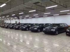In Mercedes Benz's world, the name Pullman is as exclusive as Maybach… Mercedes W140, Mercedes Benz, Benz S500, Merc Benz, Maybach, Classic Cars, Paradise, Motorcycles, Chinese